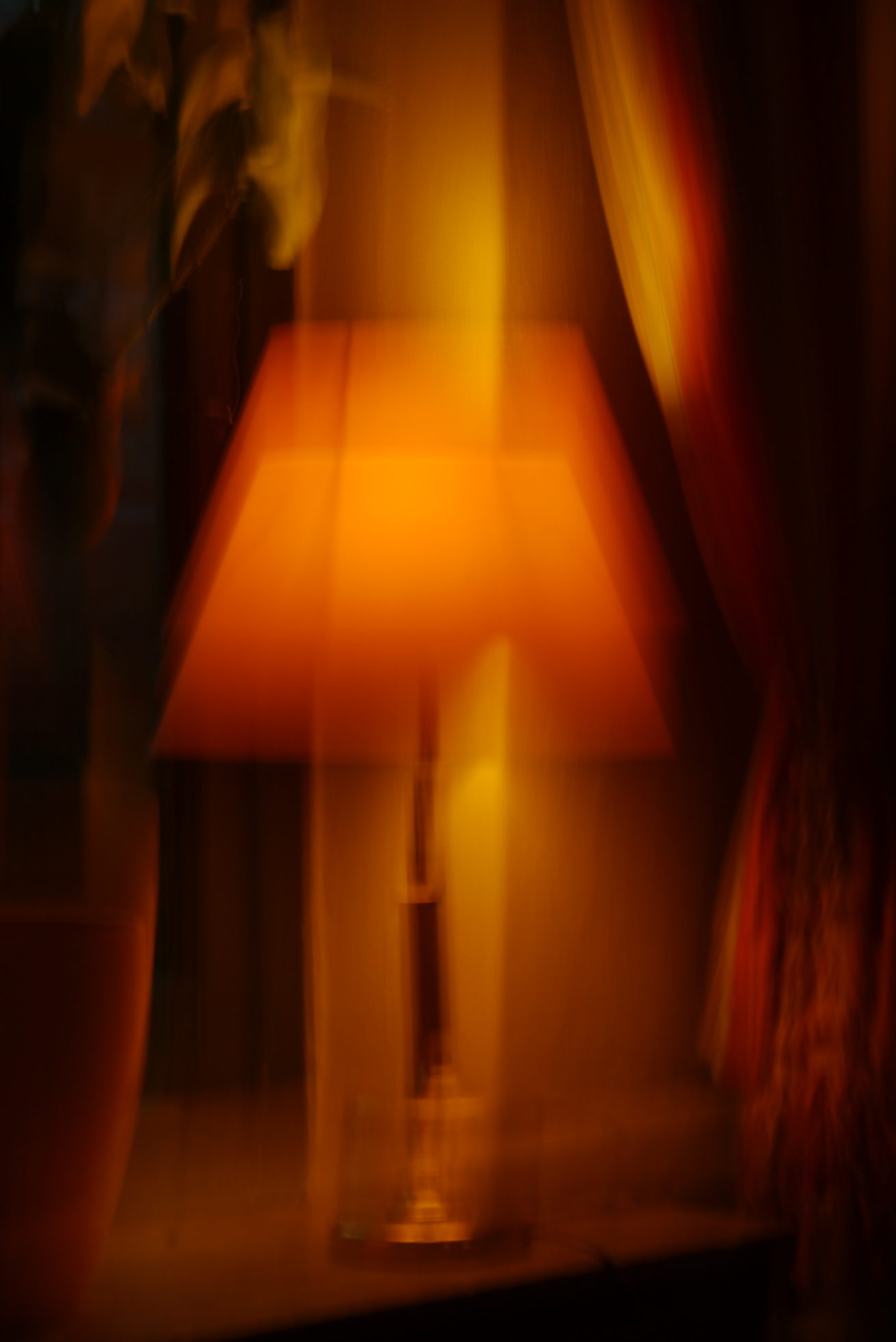 Lampe_im_Fenster